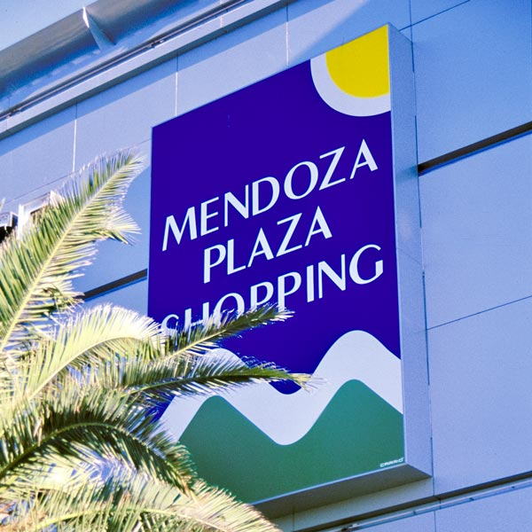 Mendoza Shopping